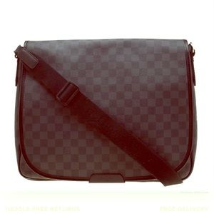 Louis Vuitton Damier Graphite Canvas Messenger Bag